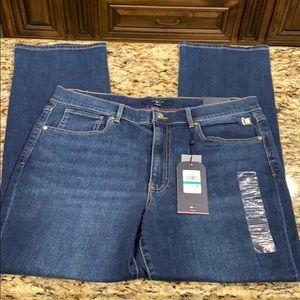 NWT Tommy Hilfiger Tribeca Straight Leg Jeans